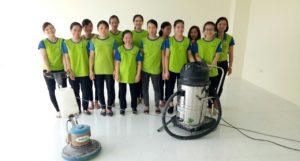 Đội ngũ vệ sinh công nghiệp