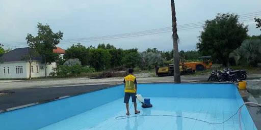 chà sàn bể bơi