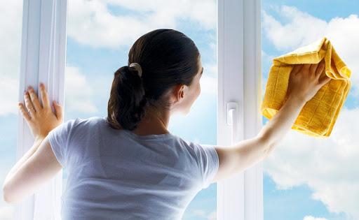 vệ sinh kính cửa sổ